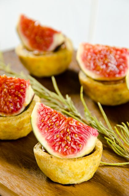 AIG 2013 (Cabrales cheese, figs and chestnut spread tarts)