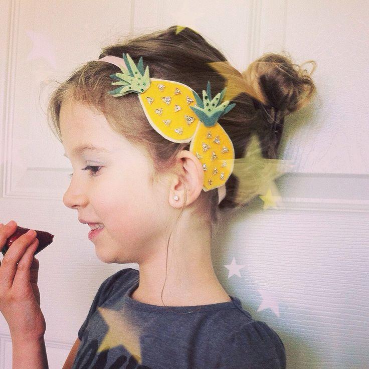 Ananas-Kopfband/Obst Zubehör/Glitter Stirnband/Fotoshooting Zubehör/Sommer Zubehör/tropisch inspirierte/Baby-Dusche-Geschenk/Sommer Bday von PenelopeandSophia auf Etsy https://www.etsy.com/de/listing/231143124/ananas-kopfbandobst-zubehorglitter