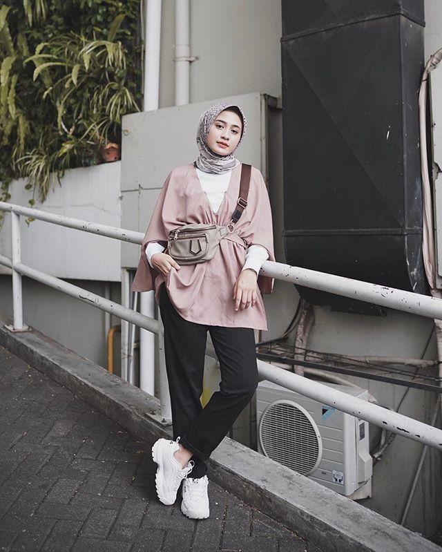 Baju Kondangan Simple Hijab Celana Jeans