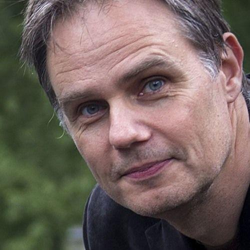 pw radio 152 linguist and journalist gaston dorren discusses his new book lingo