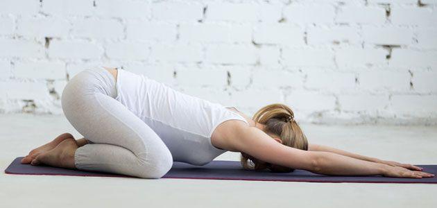 Kärsitkö vatsan turvotuksesta tai kivuista? Nämä joogaliikkeet rauhoittavat vatsaa ja parantavat ruoansulatusta | Anna.fi
