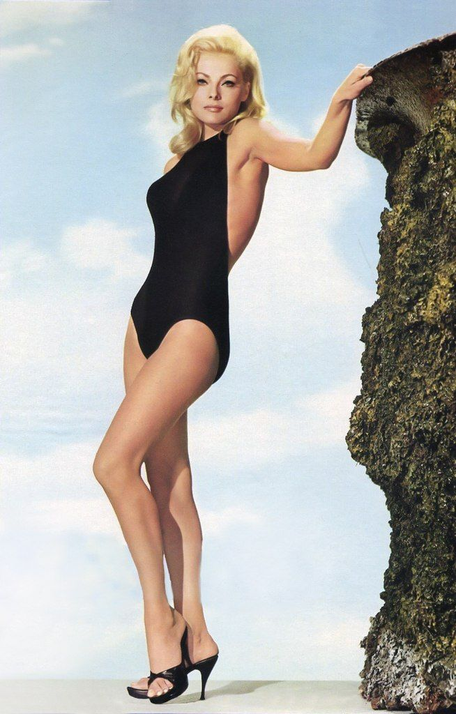 Virna Lisi | Leg & other views in 2019 | Timeless beauty ...