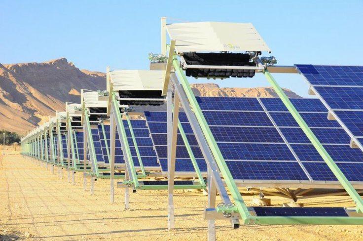 Fully autonomous robots clean solar panels nightly to maintain maximum efficiency #robots #solar #energy #cleanenergy #futuretrends #tech #technology