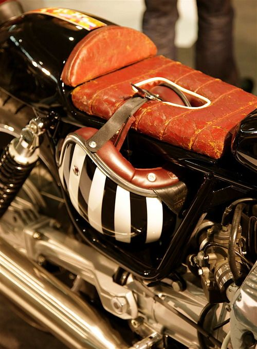 Jinjuku on the saddle