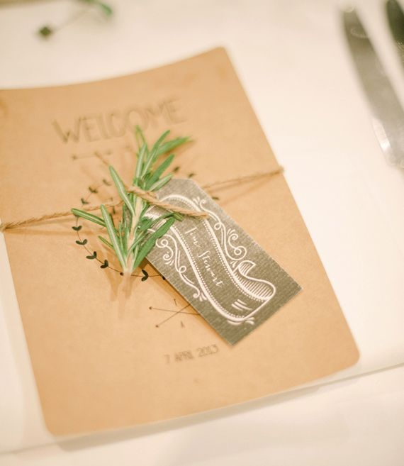 Scroll detail Australian wedding | photo by Byron Loves Fawn Photography | 100 Layer Cake