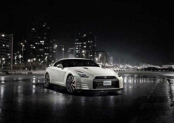 2015 Nissan GT R White 600x426 2015 Nissan GT R Full Reviews