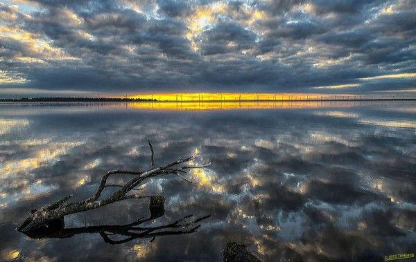 Reflection. Door communitylid THHoang - NG FotoCommunity ©
