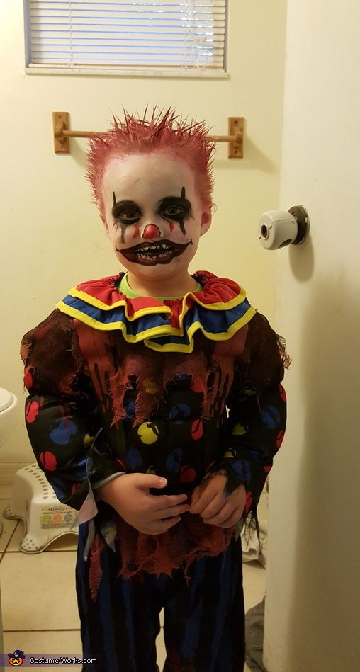 Elyna: Jordan decided he wanted to scare people for Halloween - he finds it hilarious! The idea of being a clown originated from him watching to movie IT. The worn down...