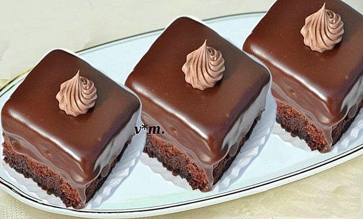 Amandine de ciocolatá.  aluatul: -  80 gr. ciocolatá menaj -  80 gr. unt -  4 ouá -  1...