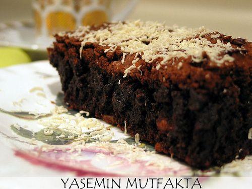 Yasemin Mutfakta: Çoook Çikolatalı Kek
