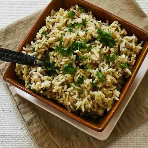 CrockPot Rice with Dried Mushrooms, Herbs, and Parmesan  http://punchfork.com/recipe/CrockPot-Rice-with-Dried-Mushrooms-Herbs-and-Parmesan-Kalyns-Kitchen