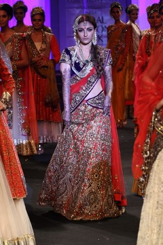India Bridal Fashion Week 2012: Bollywood showstoppers