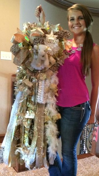 Peace Love and Mums by Rebecca- Custom, High Fashion Homecoming Mums - Pictures