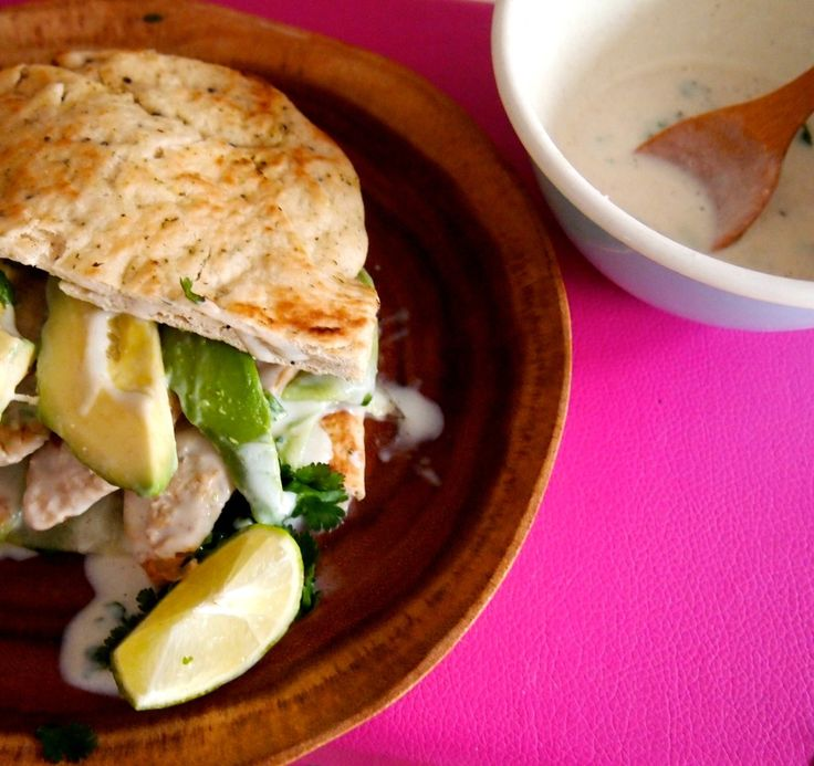 De Groene Meisjes / Indian nan with vegetarian 'chicken' and veggies