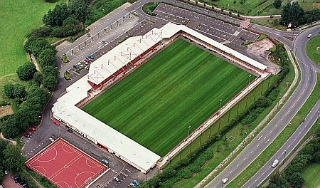 Crawley Town FC - The Checkatrade.com Stadium, Broadfield Stadium - 5.006 tilskurer