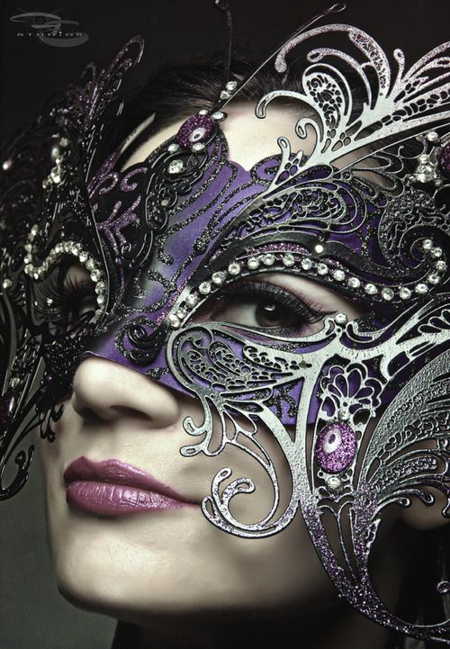 Masquerade mask in black, purple, and silver - really pretty.  ~ Ʀεƥɪאאεð вƴ ╭•⊰✿ © Ʀσxʌאʌ Ƭʌאʌ ✿⊱•╮