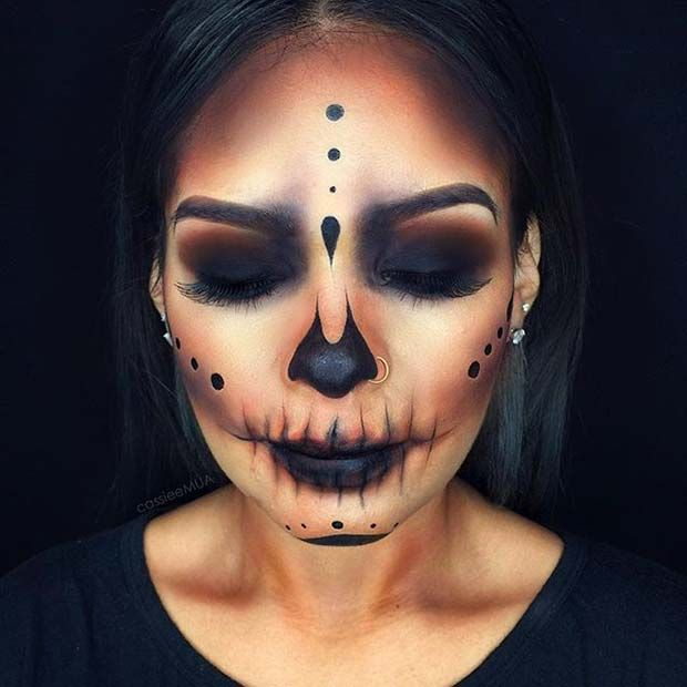 Dark Skeleton Halloween Makeup Idea for Women