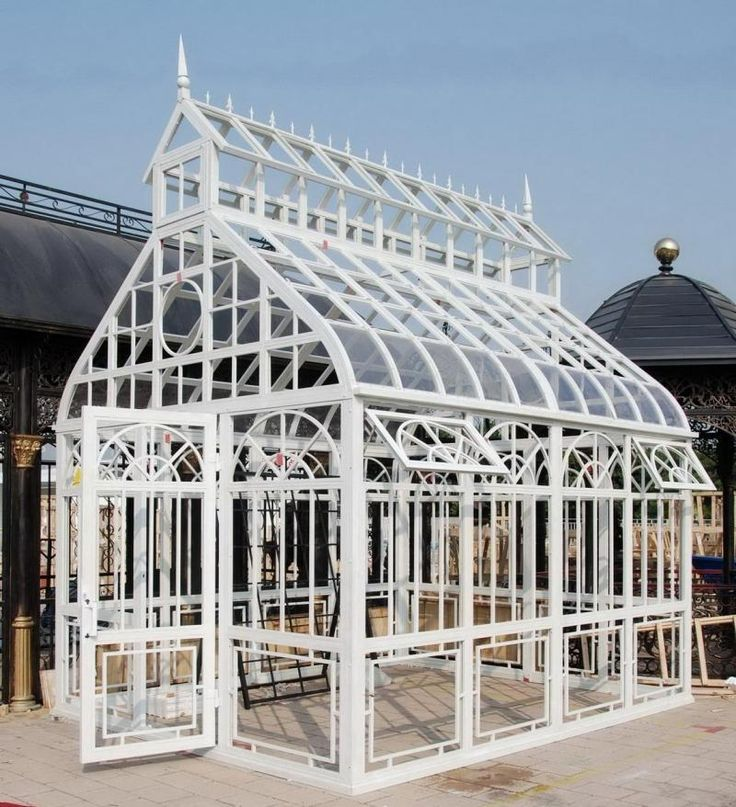 Steeple design garden conservatory or greenhouse thegatz for Estufas para invernaderos