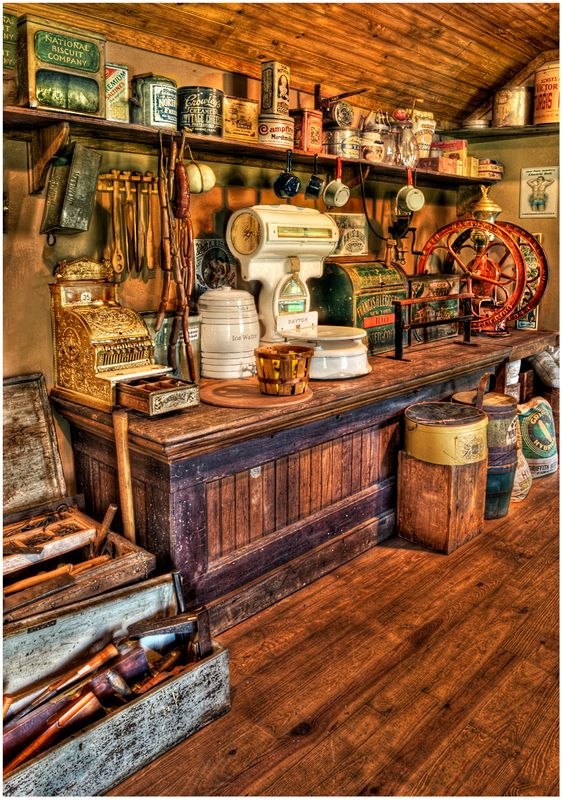 roaminwithroman.files.wordpress.com 2012 08 old-counter.jpg