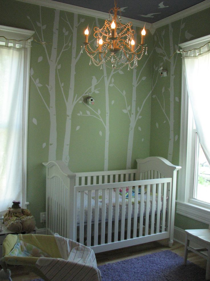 pretty..looks like the same green in my baby girls room <3