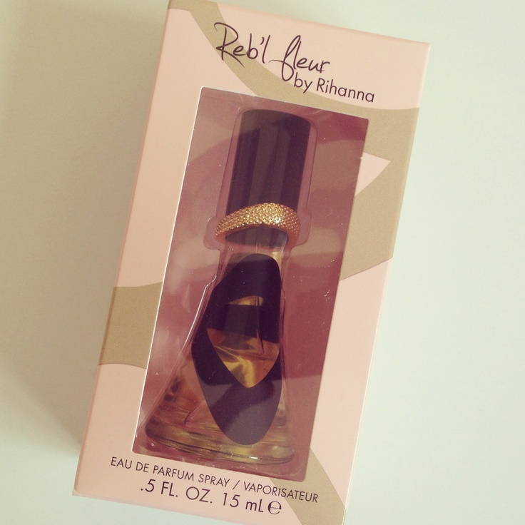 "Rihanna Reb'l fleur Eau de Parfum Spray. In der aktuellen ""dm Lieblinge""-Box April."
