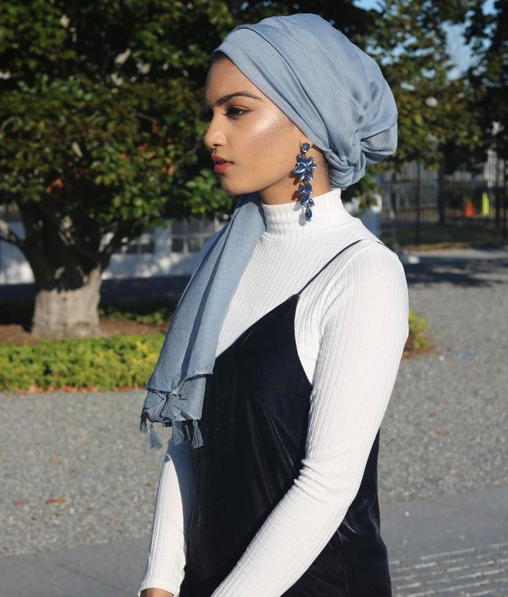 "1,719 Likes, 17 Comments - H A J R A (@fashionbyhaj) on Instagram: ""I'm that desi aunty who fills your mom's ears """
