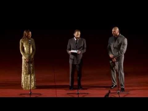 Рэйф Файнс говорит по-русски С ЛЮБОВЬЮ   На премьере 007: СПЕКТР - YouTube