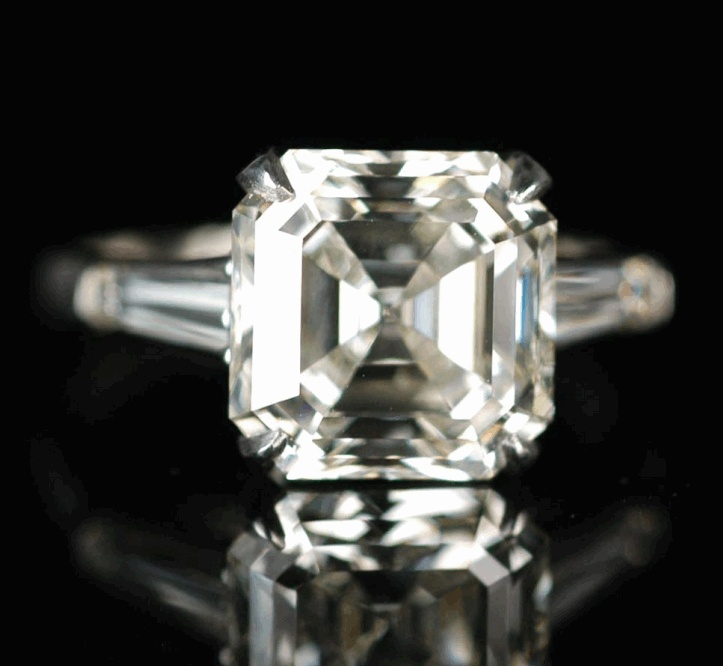 5 Carat Emerald Cut Diamond Ring With Tapered Baguettes