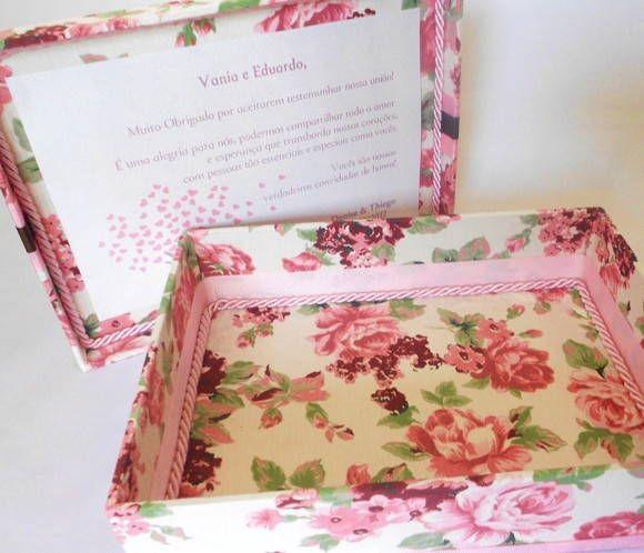 Caixa convite ou mensagem para padrinhos de casamento. Temos opções de mensagem e tecidos. R$ 57,75