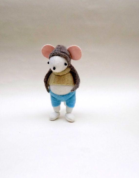 Ratón blanco de lanero hecho a mano lanoso ratón peluche