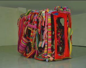 Revuélquese y Viva (1964-1985 by Marta Minujín / ambientación con colchones policromados y madera / colección privada)