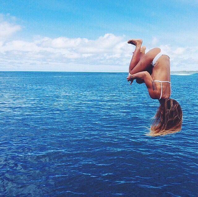 ~ périlleux été ~ via @antonellamalago jump in #summer #salto