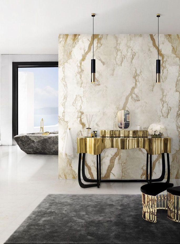 Luxus im Bad: Marmorwände