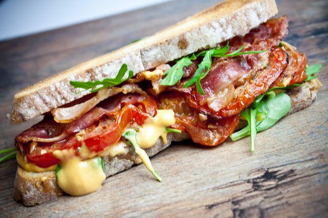 Cucinare con amore: Slaninový sendvič s domácí chilli majonézou