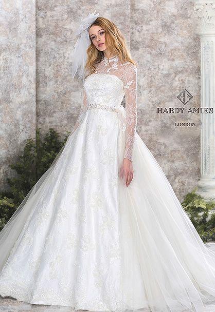 憧れのロイヤルウェディングを実現♡オーセンティックな花嫁衣装にしたい♡カラードレス参照一覧♡