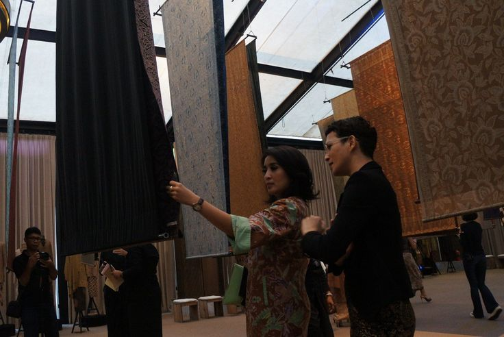 I Am Indonesian – Kembalikan Batik Kembali (Getting the Batik Back) exhibition held from April 28 to 30 2017 at the Dharmawangsa Jakarta. - The Jakarta Post
