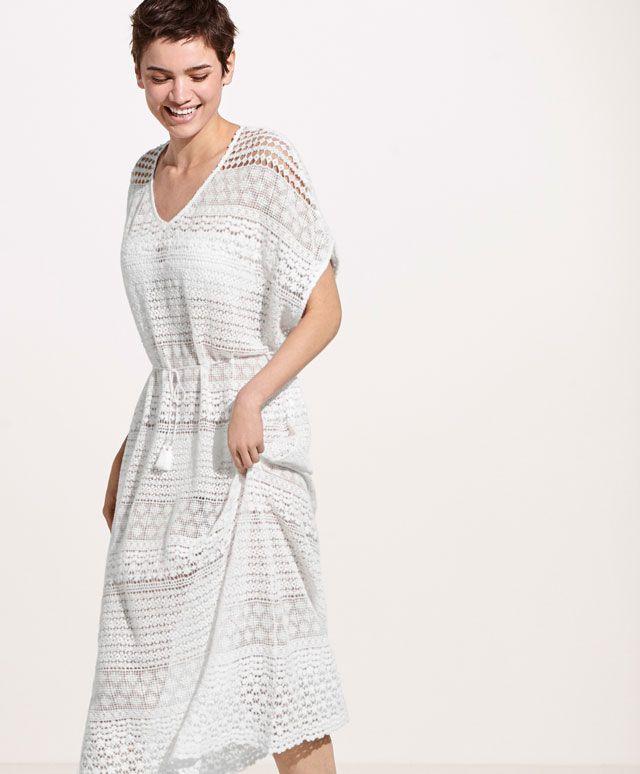Szydełkowa tunika - Sukienki - Modowe trendy SS 2017 dla kobiet na stronie Oysho: bielizna, odzież sportowa, motywy etniczne i cygańskie, buty, dodatki, akcesoria i stroje kąpielowe.