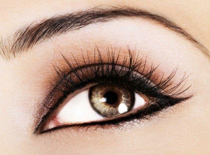 augen richtig schminken eyeliner ziehen eyeliner auftragen