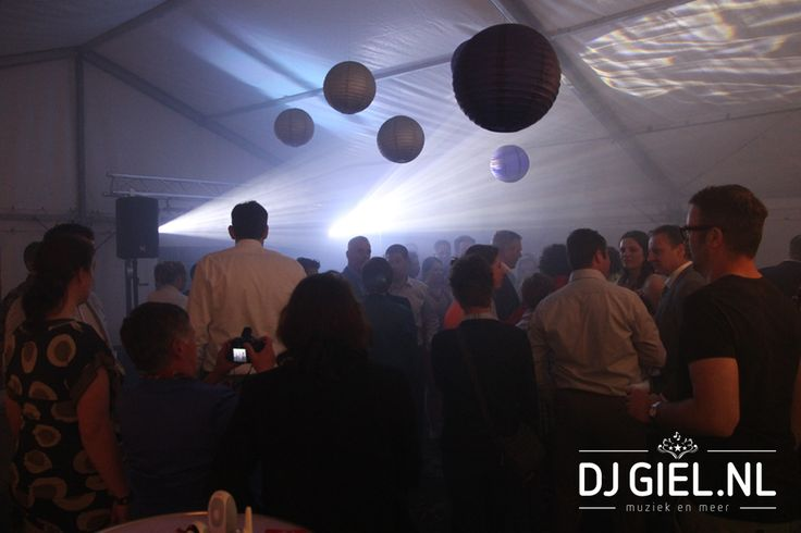 tuinfeest in tent www.djgiel.nl
