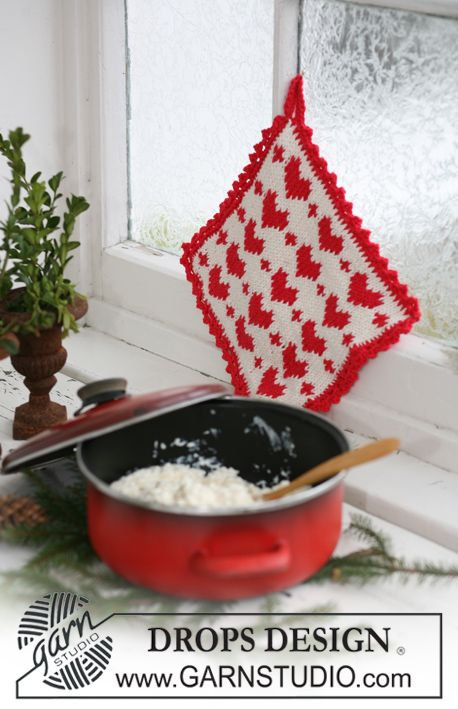 Made with love! Pot holder with #Christmas pattern in by #garnstudio #knitting