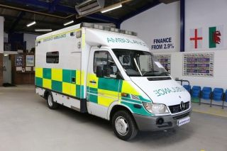 Click to view details about MERCEDES SPRINTER 416 2.7CDI AUTO AMBULANCE