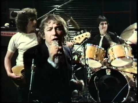 ▶ Eric Burdon feat. Alvin Lee - Lawdy Miss Clawdy/Be Bop a Lula [Live on GasTank 1982, a UK music show from the 1980s, with GasTank's in-house band. Line-up: Eric Burdon - vocals . Rick Wakeman - keyboards . Tony Ashton - keyboards . Alvin Lee - guitar . Tony Fernandez - drums] ~~ Time to liven up the show folks!!