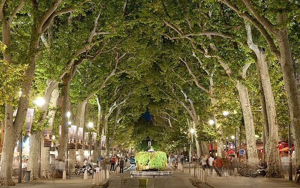 Ray Kershaw offers an essential cultural guide to Aix en Provence, the city   where the sun shines 300 days a year.