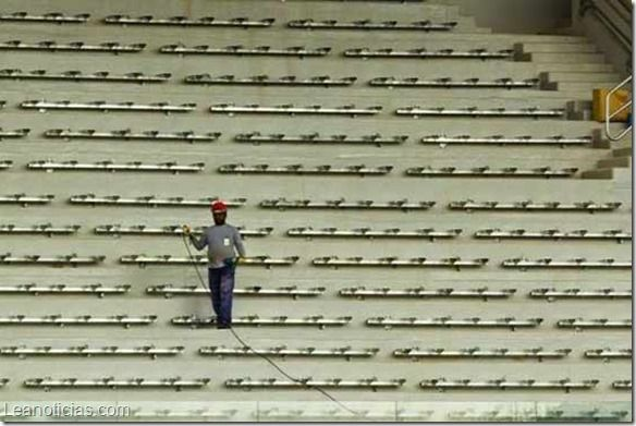 Obrero muere electrocutado en estadio Arena Pantanal de Brasil - http://www.leanoticias.com/2014/05/08/obrero-muere-electrocutado-en-estadio-arena-pantanal-de-brasil/