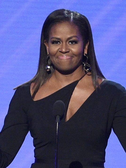 Michelle Obama stuns in sleek Cushnie et Ochs dress for ESPY Awards