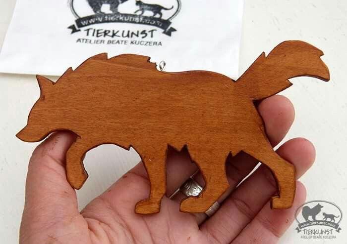 Wolf Holzfigur. Wooden plate wolf. For sale. #wolf #hund #petart #dog