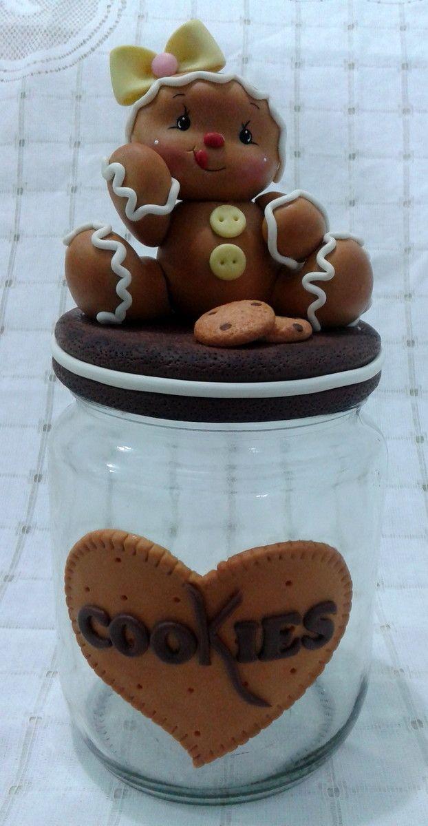 pote decorado com biscuit ideal para guardar biscoitos, deixar sua cozinha mais linda ou presentear alguém especial aproveite . Entre em contato faça seu pedido medidas 1,700 Litros