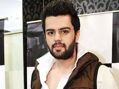 Manish Paul to play a hacker in his debut film!