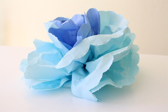 use napkins to make flowers