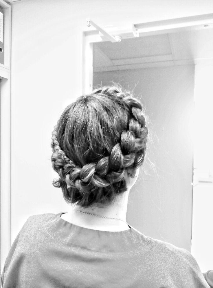 внешний колосок, плетения круговое. длина волос до лопаток.